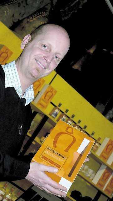 Guiden Håkan Hyllengren berättar om Gävle-whiskyns historia.