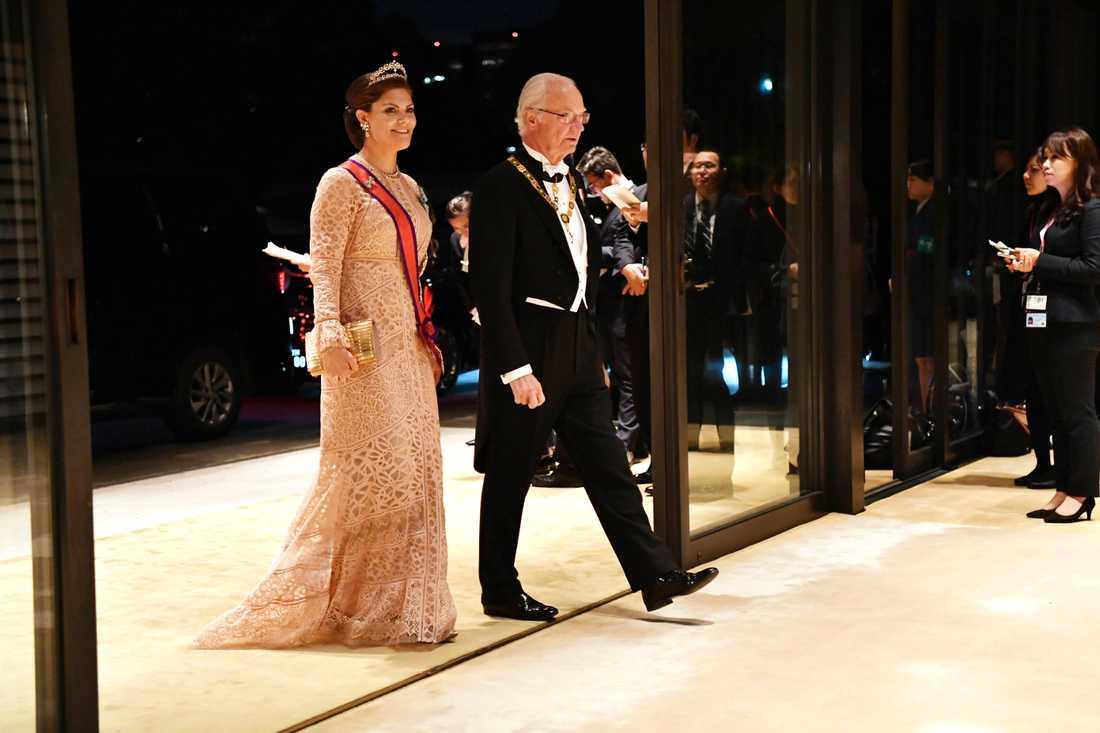 Kronprinsessan Victoria och kungen.