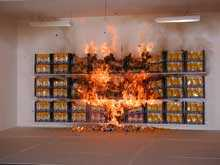 Här har chipsen brunnit 2,5 minuter och branden sprids snabbt.
