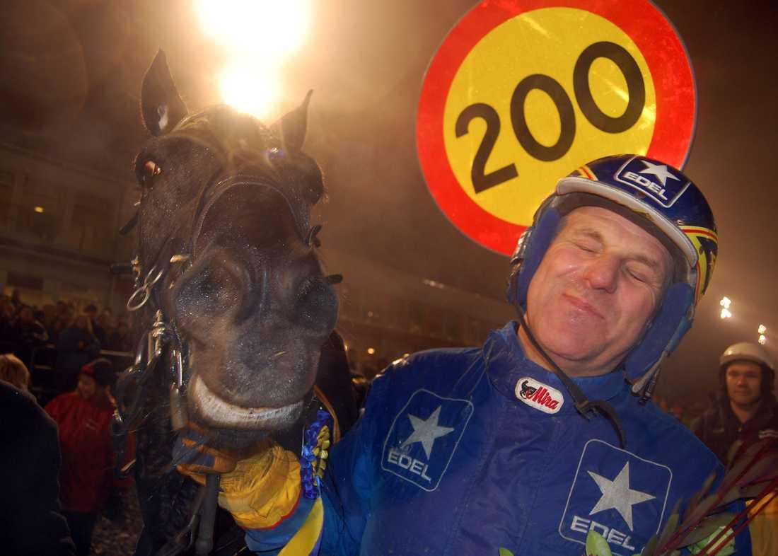 Järvsöfaks 200 segrar.