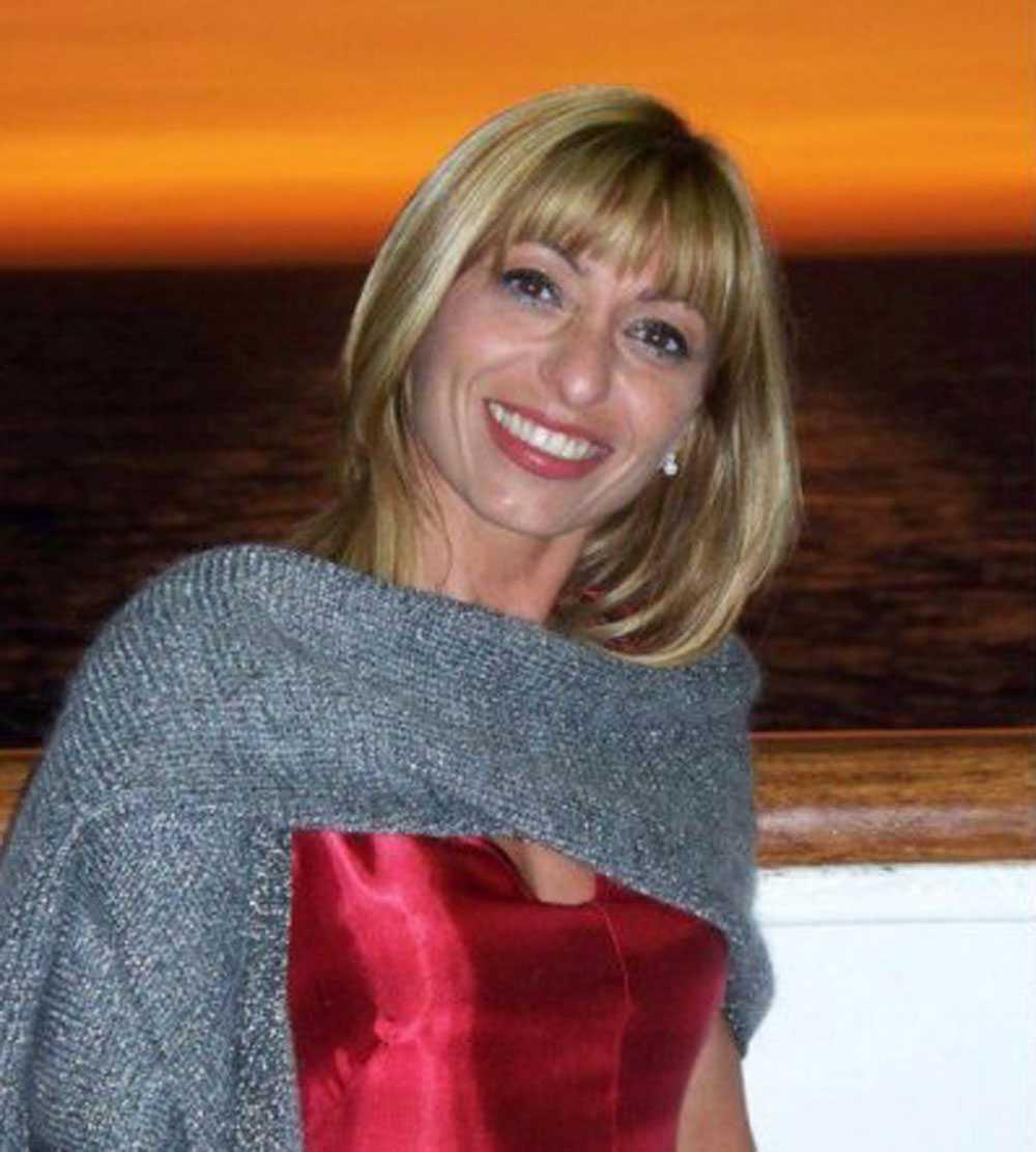 Simona Riussi sörjer sin man, men uppmanar alla att fortsätta tro på vaccinet.