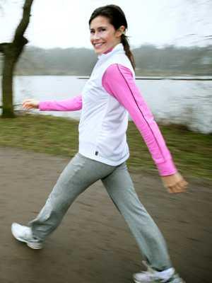 Aftonbladet Viktklubbs träningsexpert Shirin Rågby Djavidi – en av många svenskar som ägnar sig åt GÅGGING.
