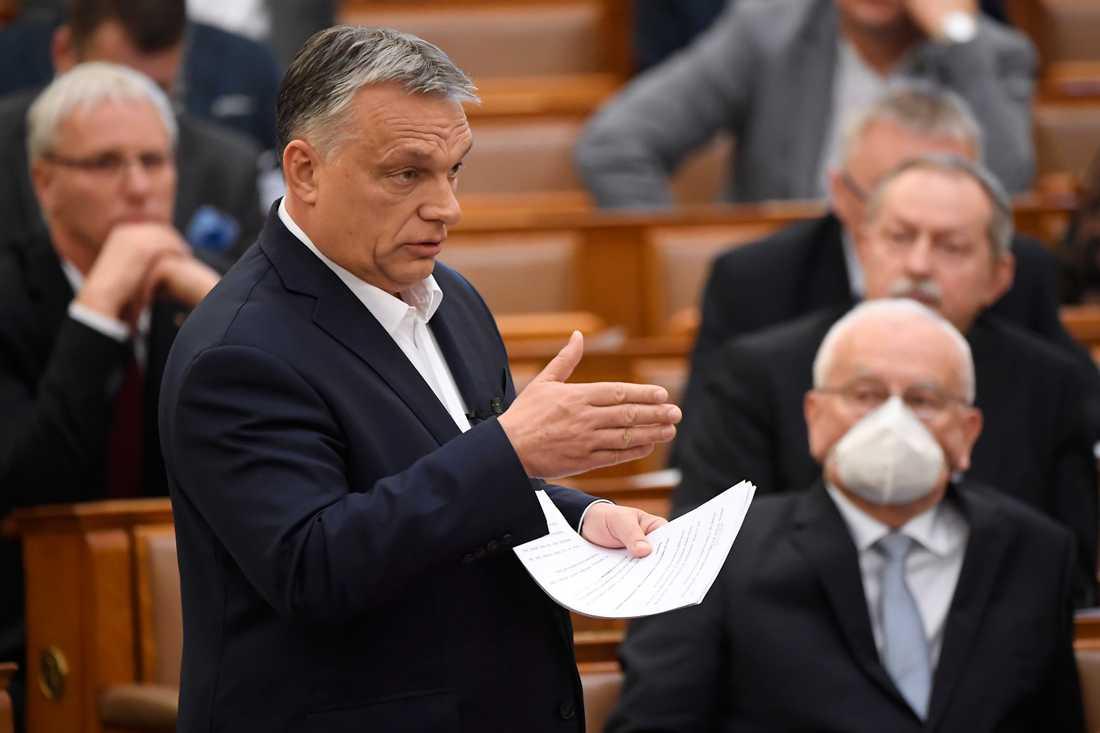 Ungerns premiärminister Viktor Orbán inför det ungerska parlamentet i måndags. Arkivfoto.