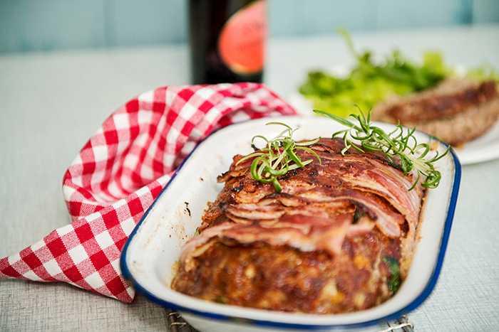Köttfärslimpa med bacon – middagstips för hela familjen