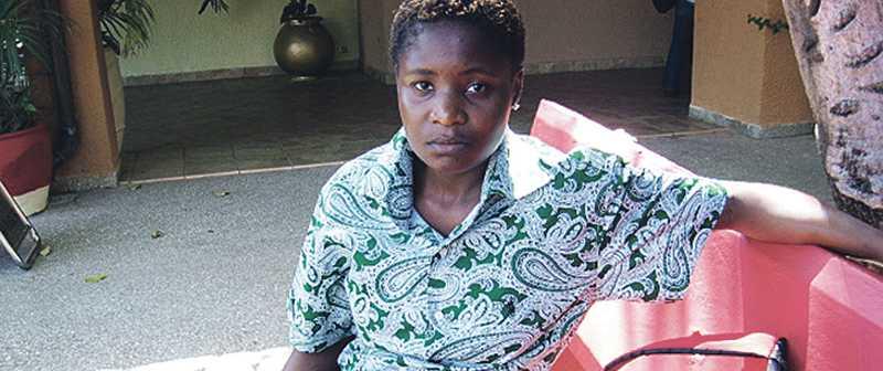 """""""Jag blir ofta hotad av människor på gatan som känner igen mig"""", säger Val Kalende som tvingats flytta till hemlig adress efter att hon kom ut som homosexuell i Uganda."""