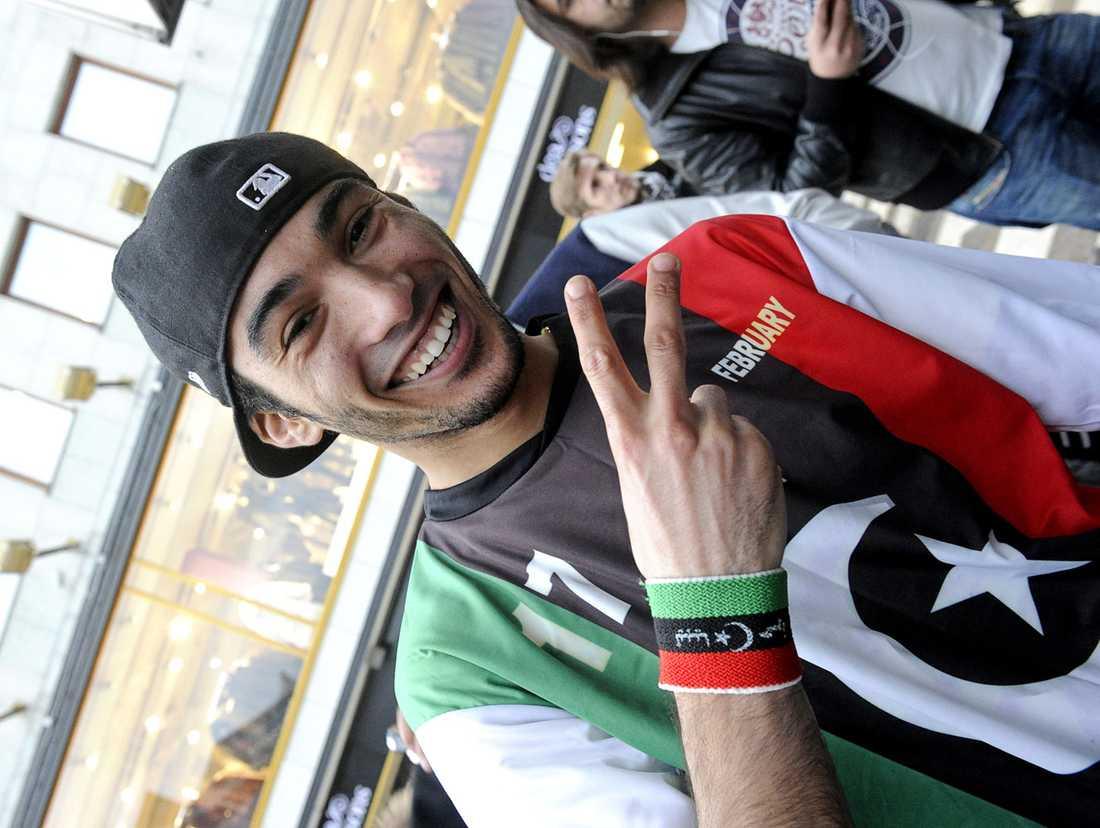 21-åriga Yahia Mahmud firade på Sergels torg.