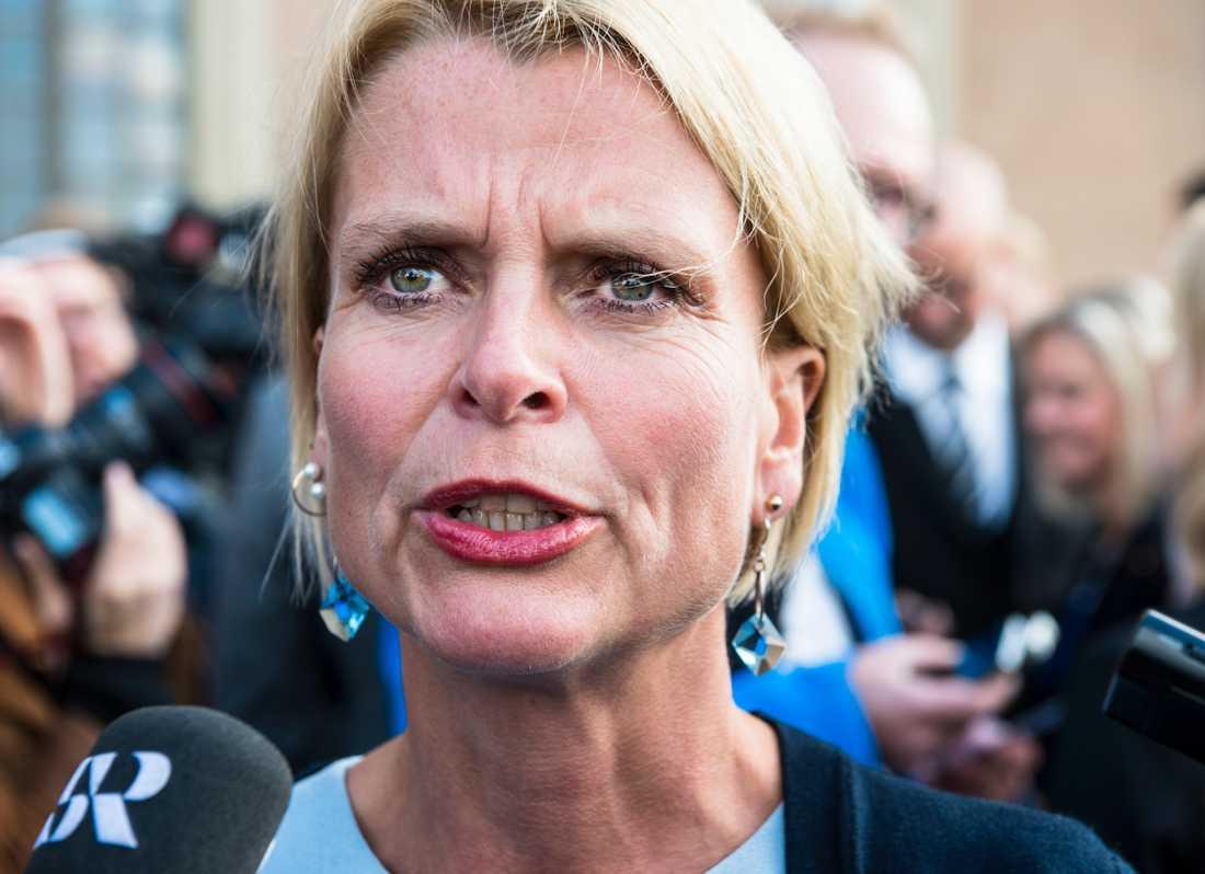 Åsa Regnér. Hon har en bakgrund inom socialdemokratin och har tidigare arbetat i regeringskansliet med ex-ministrarna Jens Orback och Margareta Winberg.
