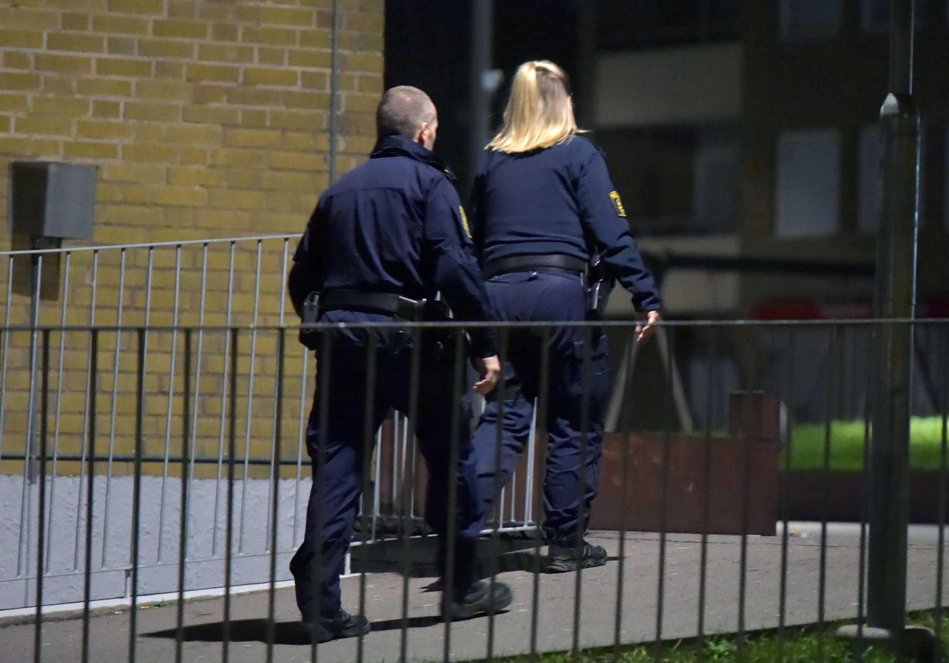 Polisen larmades till lägenheten i onsdags kväll.