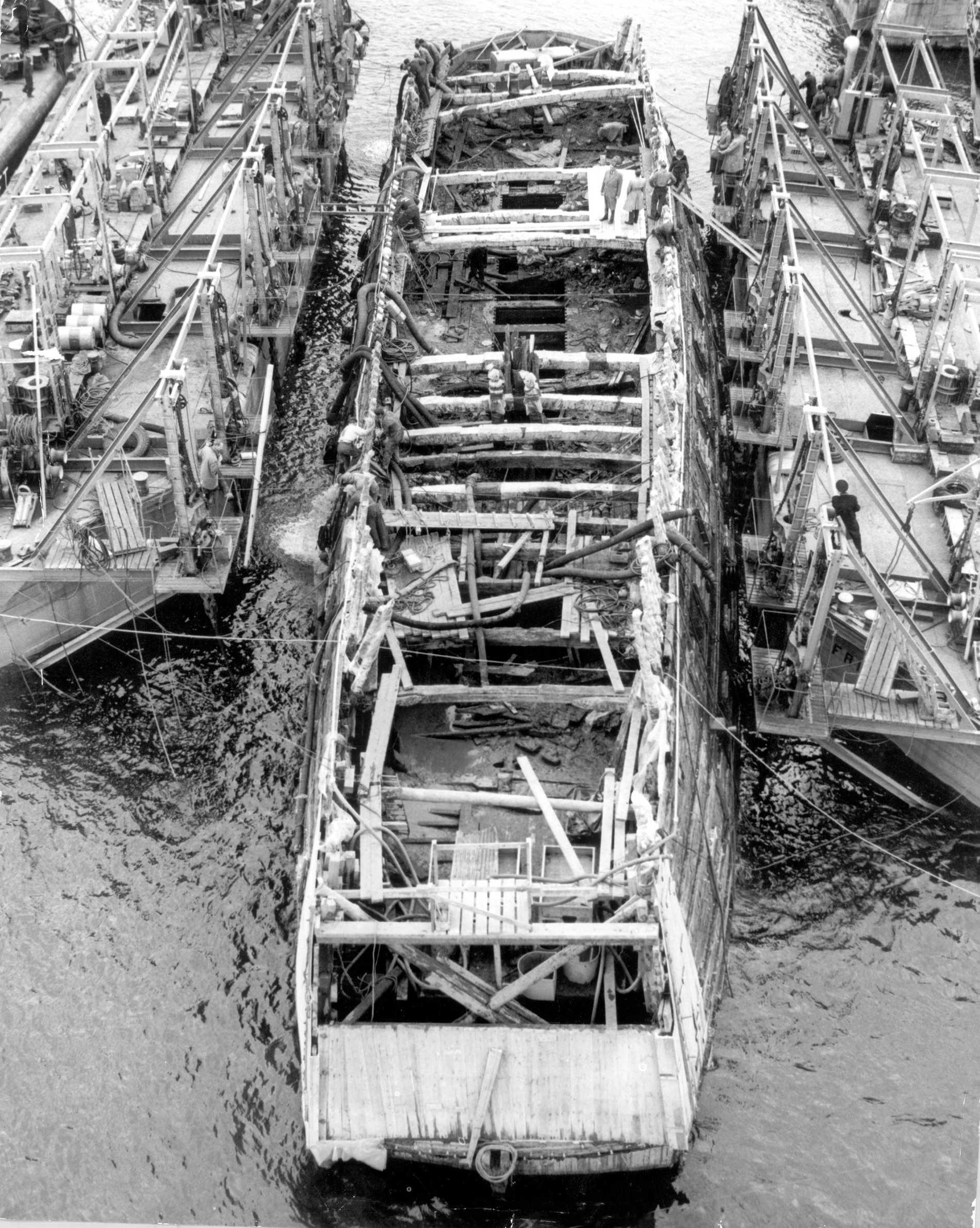 Skeppet under bärningen för 60 år sedan.