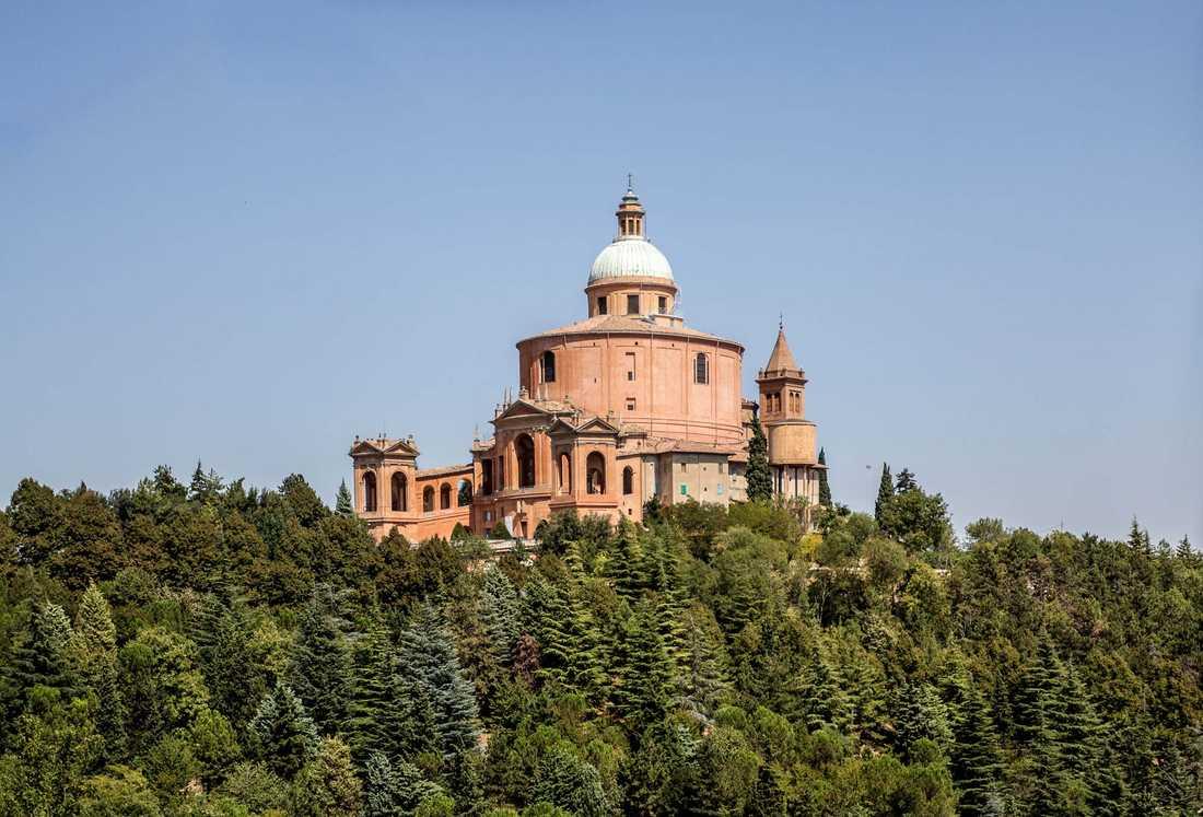 """""""Därifrån hade du utsikt över hela Poslätten och det är väldigt, väldigt vackert"""", säger Kennet Andersson om Madonna di San Luca."""