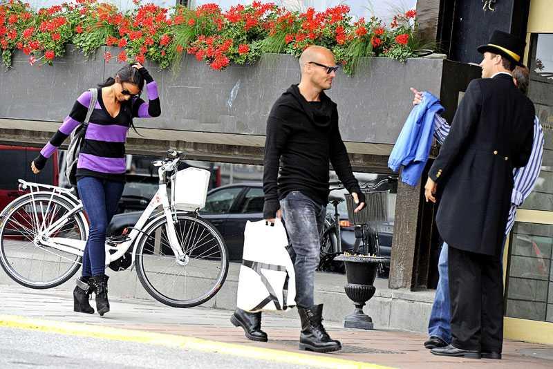 Fredrik Ljungberg tillsammans med flickvännen Nathalie Foster förra året.