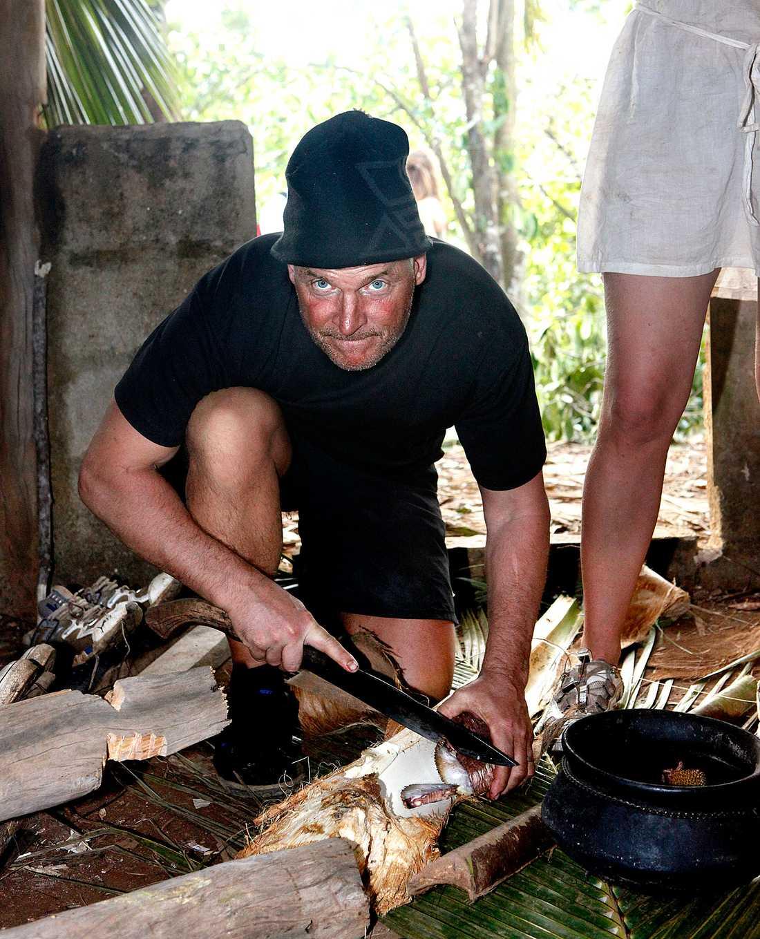 Liksom Jarmo Heinonen som även han återvänder till Robinson-ön för att få revansch.