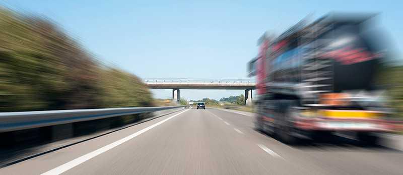 Alkobommar vid färjor kan sätta stopp för onyktra förare innan de ger sig ut på vägarna.