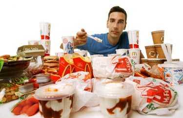 Benjamin fick i sig 23 180 kalorier och ett kilo smör i fett under sin vecka med enbart McDonaldsmat.
