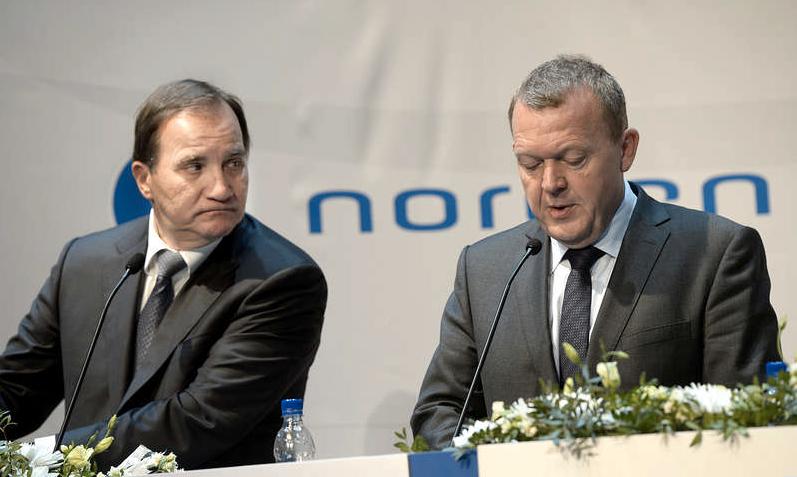 Det går inte att försvara att id-kontrollerna fortsätter utan att Stefan Löfven och Lars Løkke Rasmussen prövar alla medel för att hitta en bättre lösning.