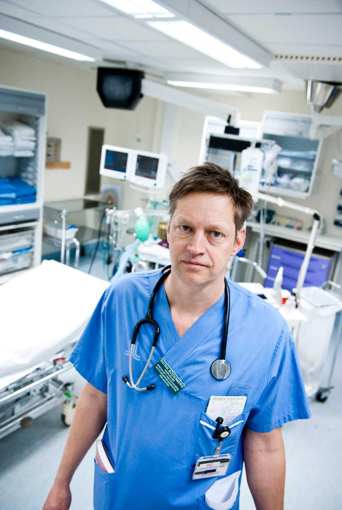 Patrik Söderberg, chefläkare för den prehospitala vården i Stockholms läns landsting, vill inte uttala sig i detalj om händelsen.