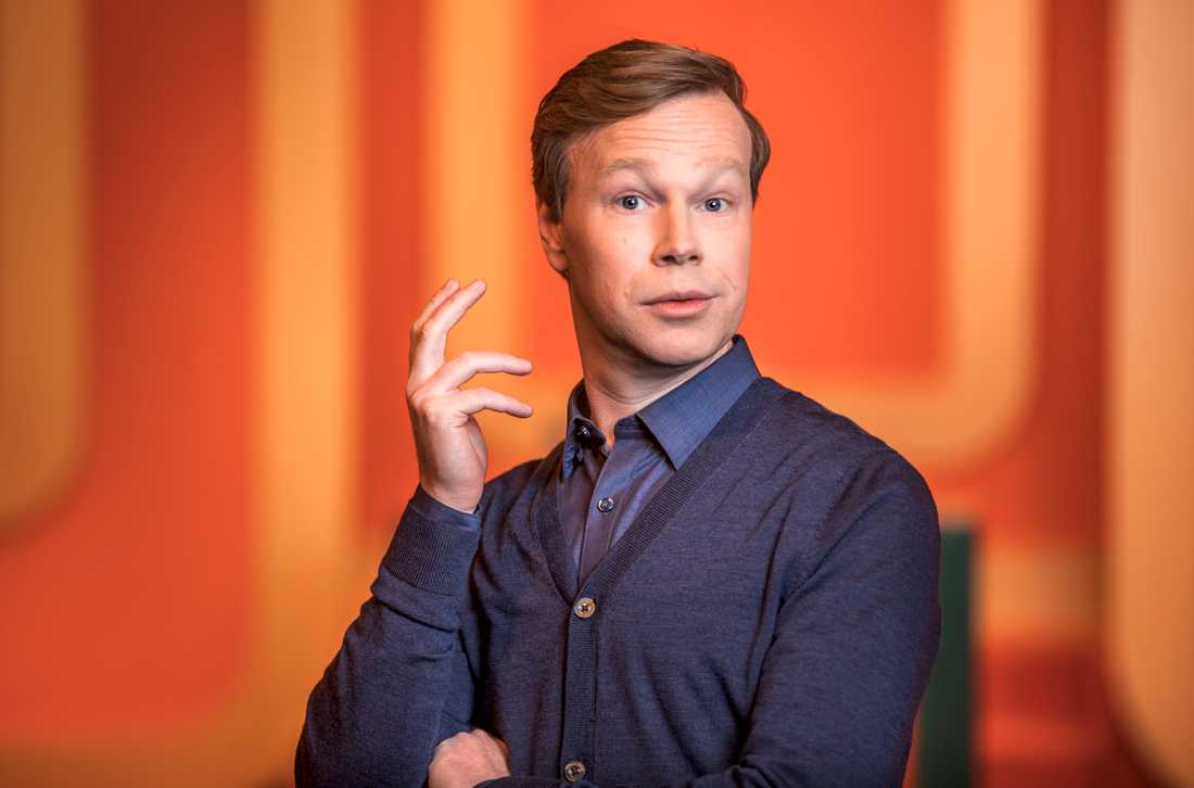TV4 tvingas betala 200000 kronor för störande reklamavbrott i sändningen av Johan Glans scenshow. Pressbild.