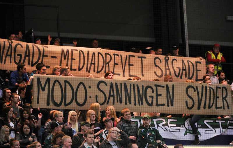 Här stöttar FBK:s fans presschefen | Aftonbladet