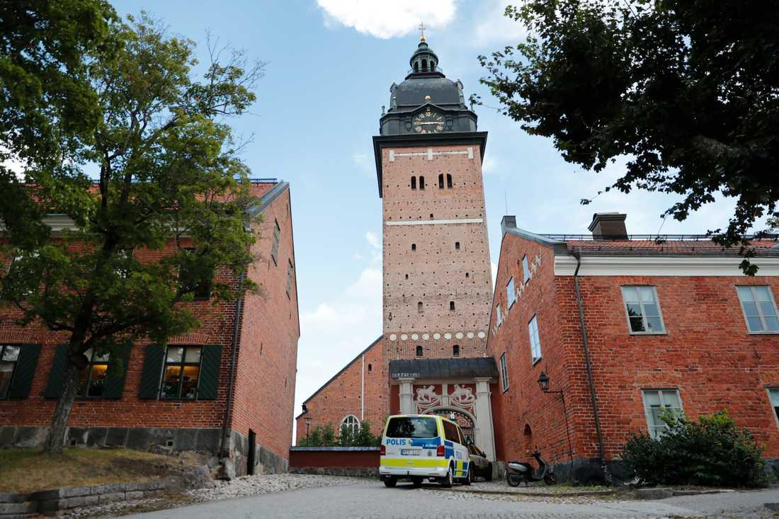 """Domkyrkan i Strängnäs har utsatts för en stöld av föremål till ett """"högt värde"""", uppger polisen."""