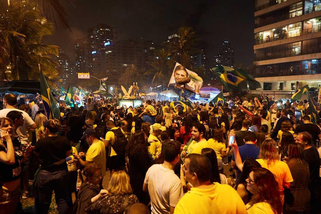 Bolsonaro-anhängare firade segern i natt.
