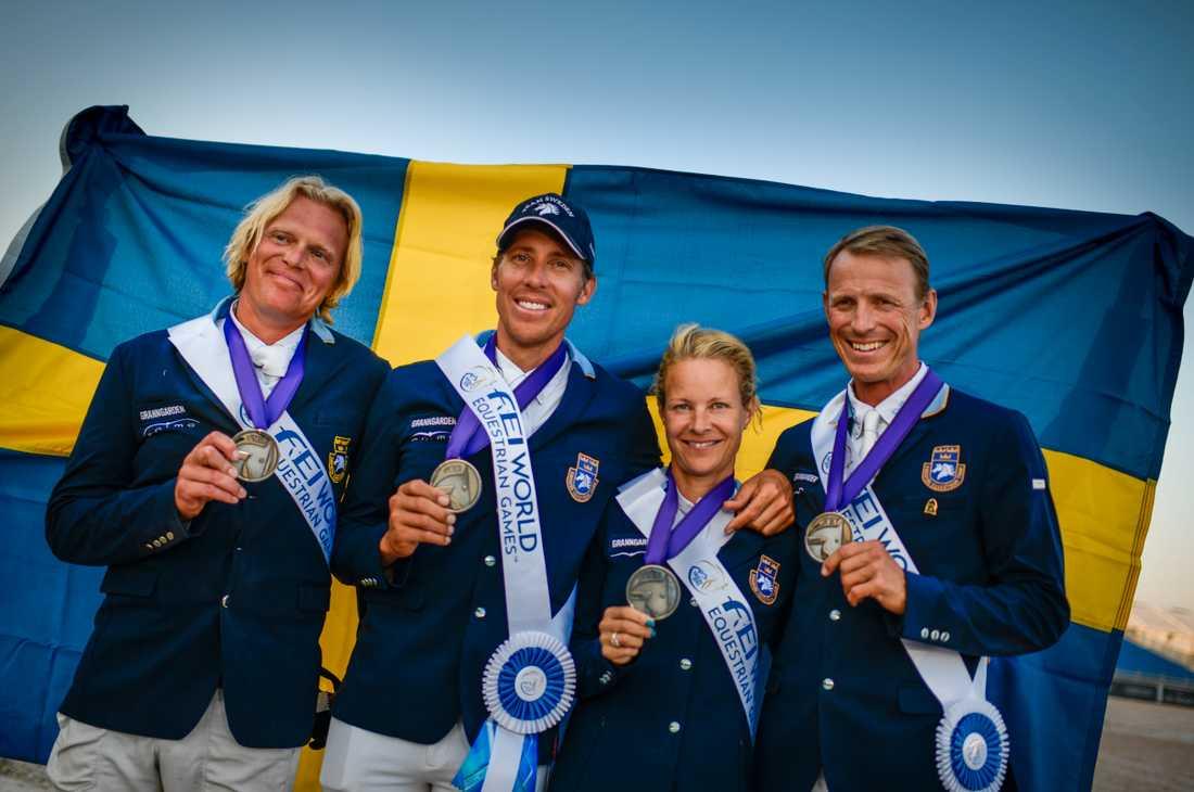 Sveriges VM-silverlag: Fredrik Jönsson, Henrik von Eckermann, Malin Baryard Johnsson och Peder Fredricson.