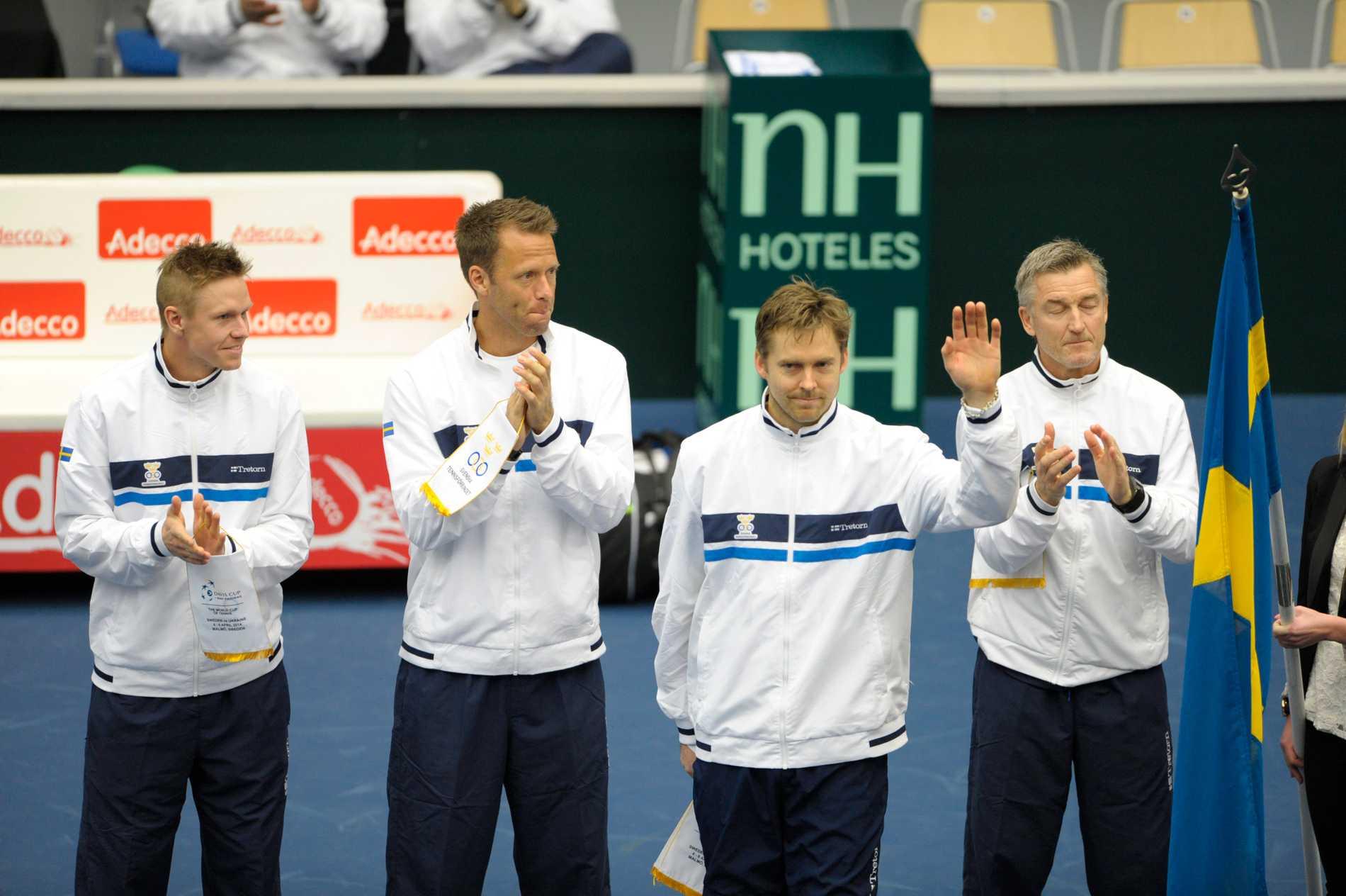 Sveriges lag, från vänster Markus Eriksson, Robert Lindstedt, Johan Brunström pch lagkapten Fidde Rosengren.