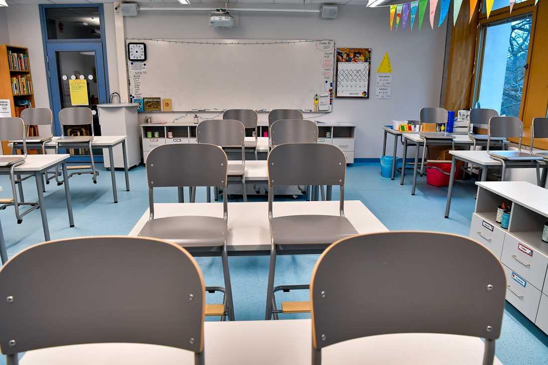 Två högstadieelever vid en skola i Östersund misstänks för misshandel efter att ha hostat en lärare i ansiktet. Arkivbild.