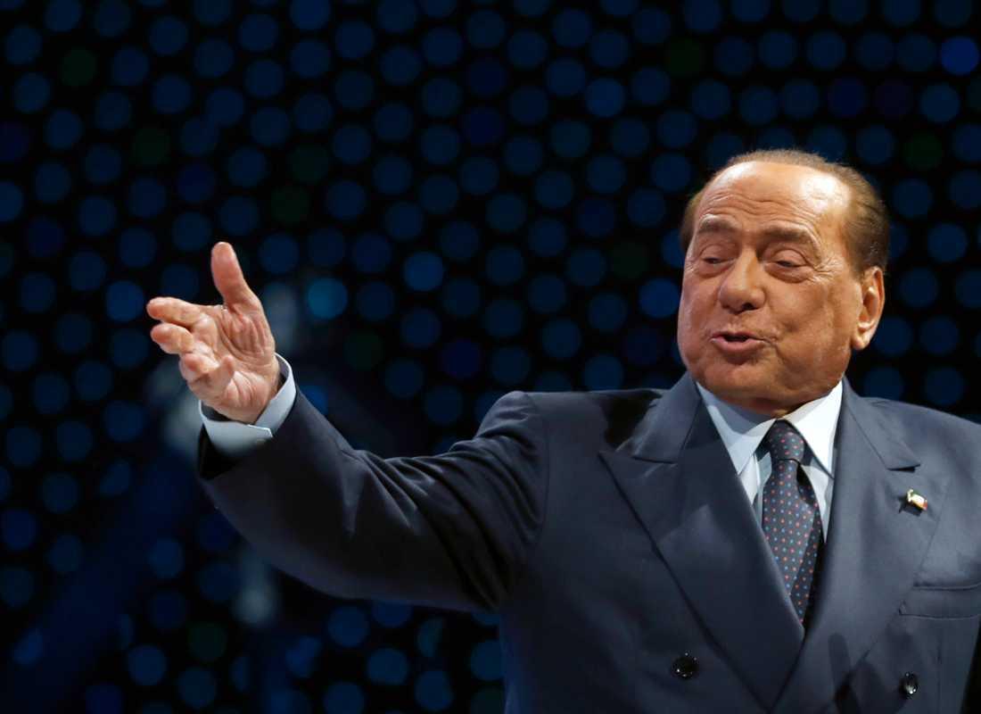 Italiens tidigare premiärminister Silvio Berlusconi har akut fått uppsöka sjukhus för hjärtproblem. Arkivbild från november 2019.
