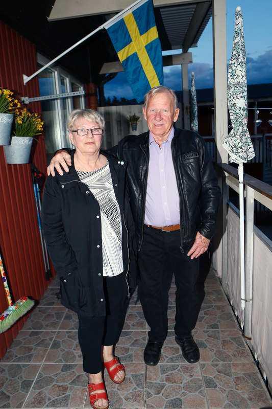 Tommy Lindahl, 78, fick åka till sjukhus och få både penicillin och stelkrampsspruta efter närkampen med den kvinnliga tjuven.