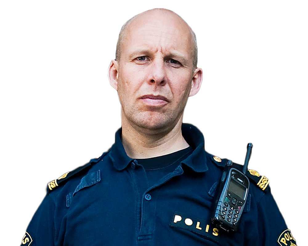 Rent mjöl i påsen?  Polisforskaren Stefan Holgersson visar hur polisen fuskar med brottsstatistik. Foto: MARGARETA BLOOM SANDEBÄCK