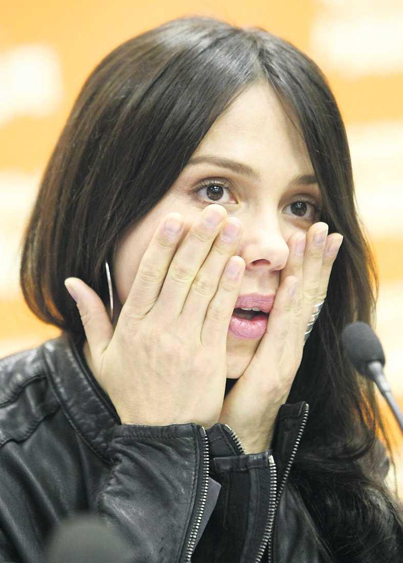 Oksana Grigorieva spelade in Gibsons våldsamma attacker på band. Nu säger hon sig dessutom ha bildbevis