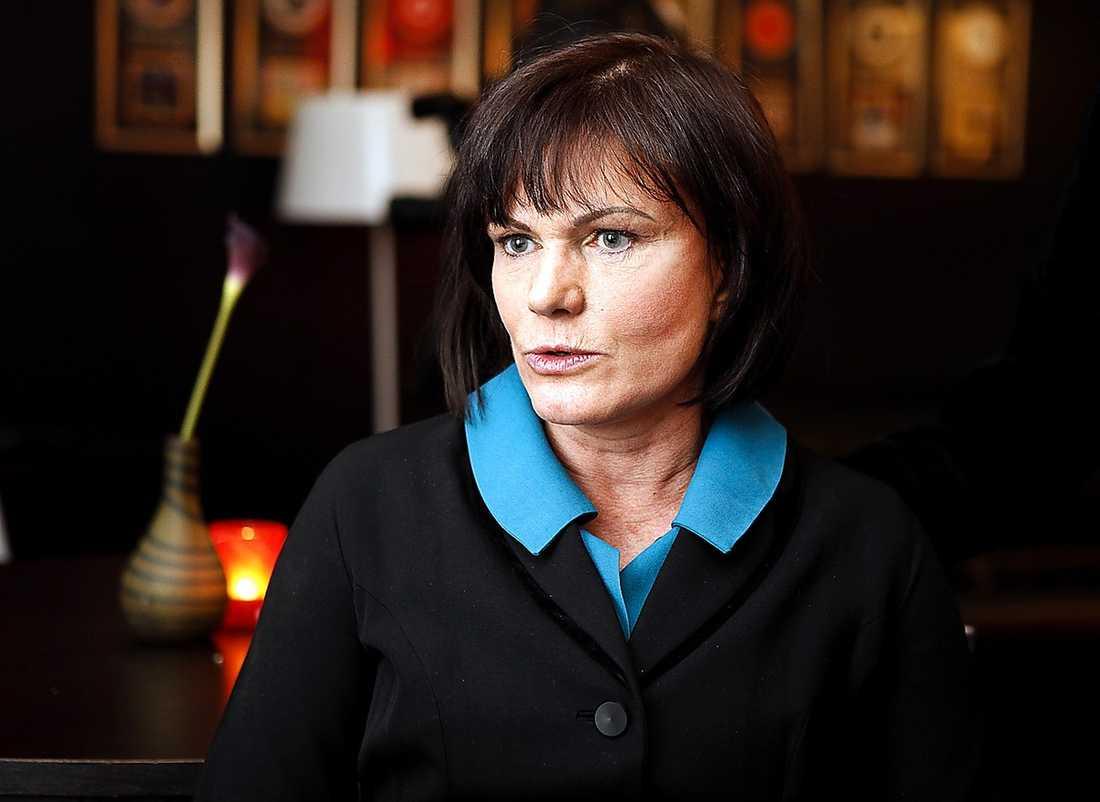 Kungaboksförfattaren Deanne Rauscher påstår också att Kungen ljuger.