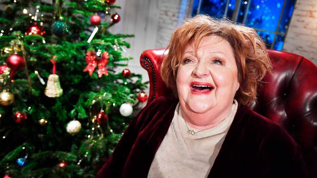 Marianne Mörck pustar ut efter sista sändningen på julaftonskvällen.