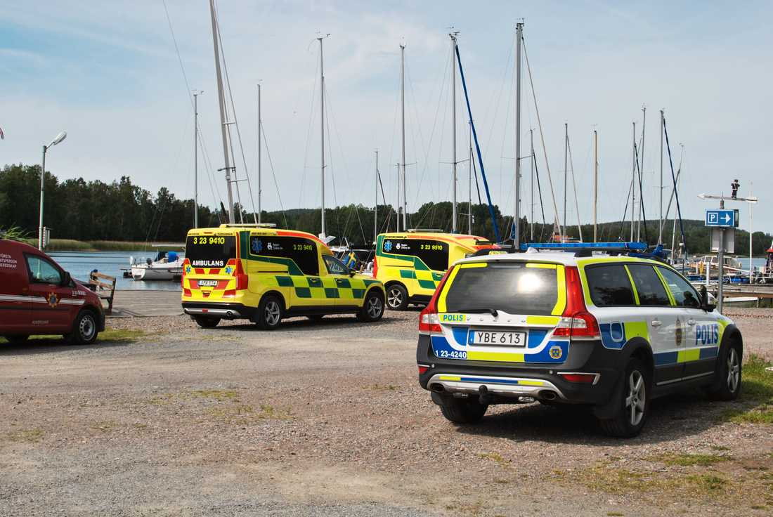 En allvarlig händelse har inträffat på en båt vid en ö i Vättern.