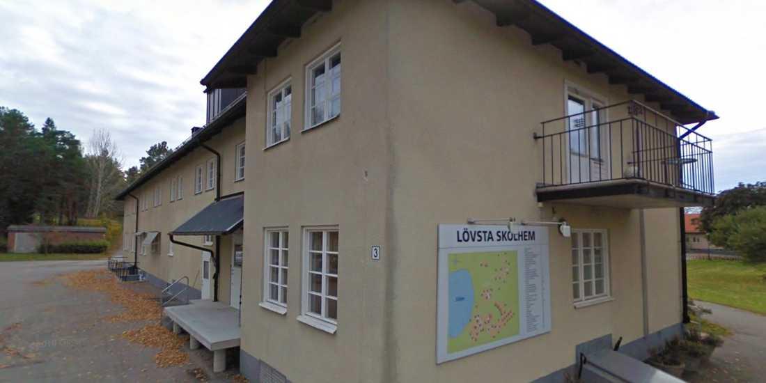 En av byggnaderna vid Lövsta ungdomshem i Vanghärad.