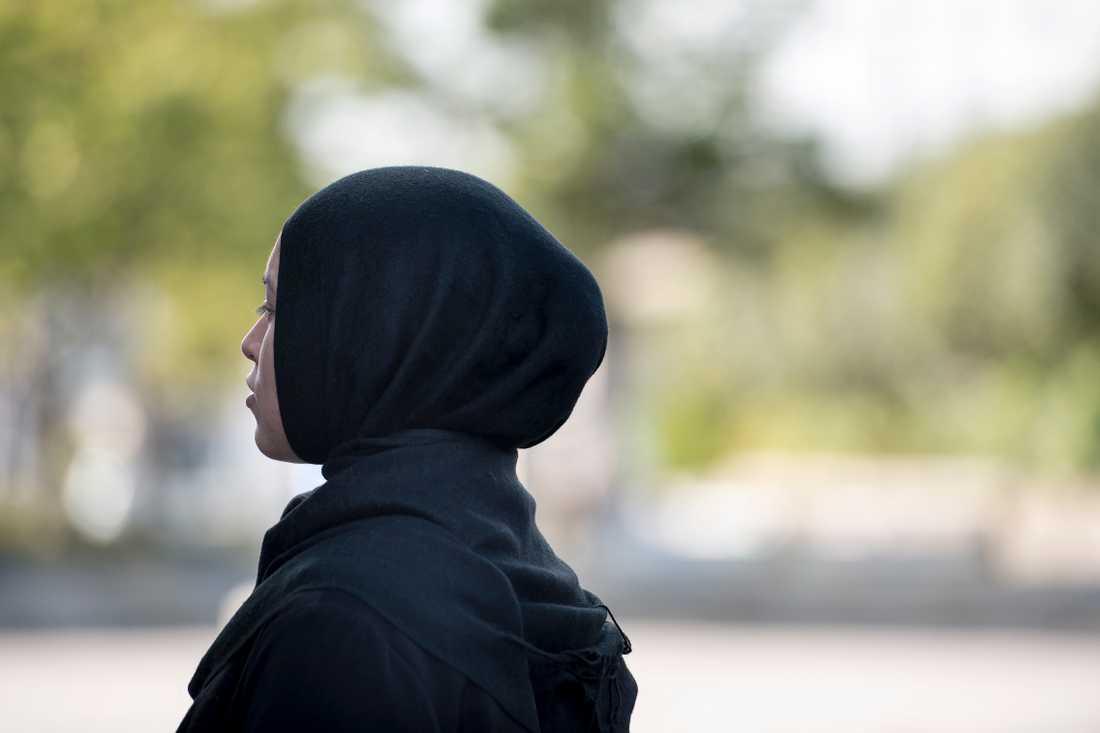 Moderaterna i Norrköping vill att kommunen slutar använda flickor och kvinnor i slöja i sitt informationsmaterial. Arkivbild.