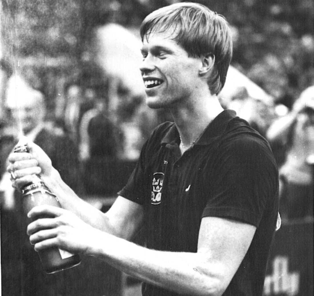Ulf Bengtsson firar EM-titeln i Moskva.