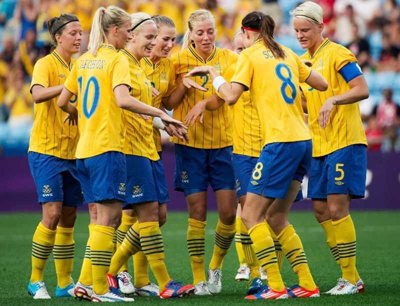 Sverige dansar igen. Häftigt eller fjantigt? Åsikterna går isär.