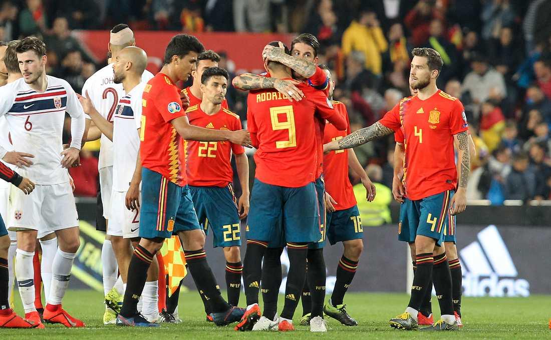 Spanien jublar efter 2–1-segern mot Norge i EM-kvalet