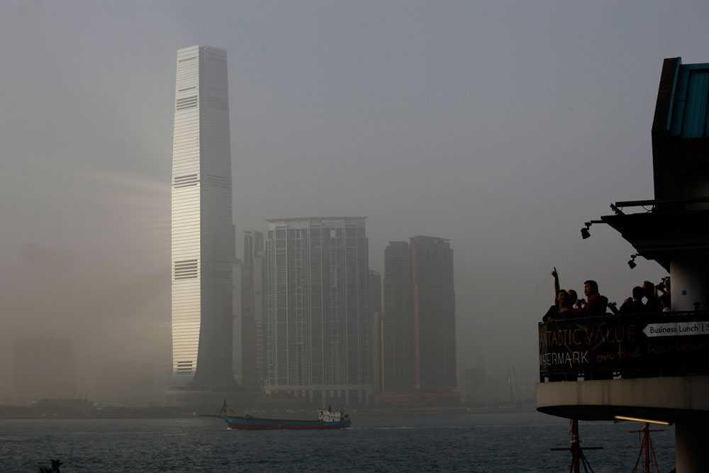 International Commerce Centre i Kowloon, Hong Kong är 484 meter högt.