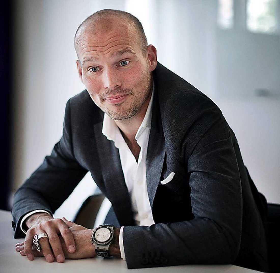förföljd Fredrik Ljungberg kommer inte undan Zlatan Ibrahimovic, berättar stjärnan i Skavlan.