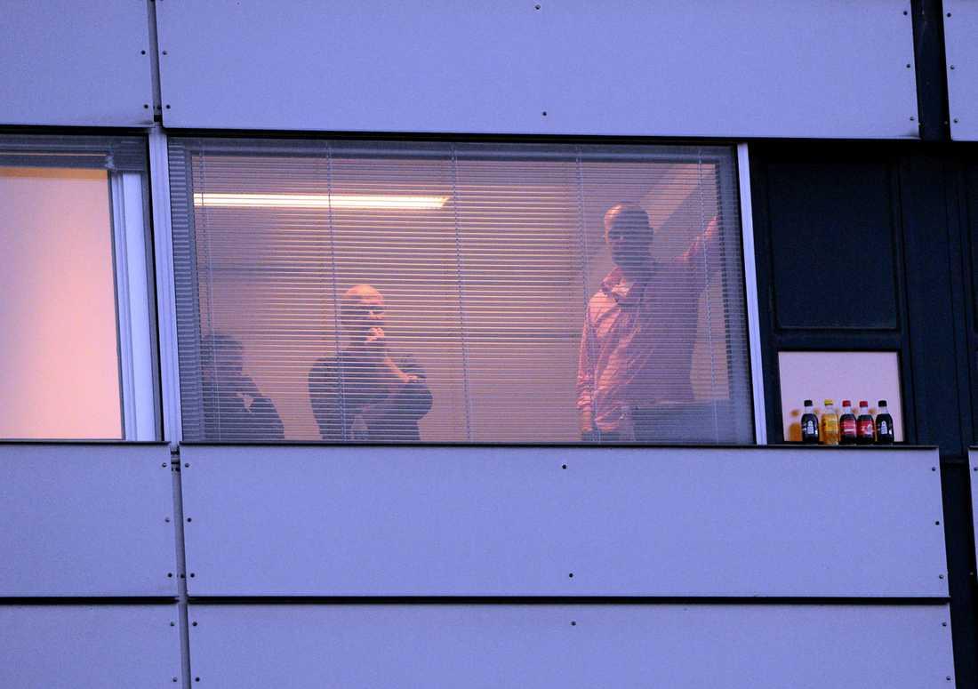 Vid 8-tiden på måndagsmorgonen pågick fortfarande förhandlingarna med de sista fackförbunden fortfarande i SAS-huset på Kastrups flygplats.