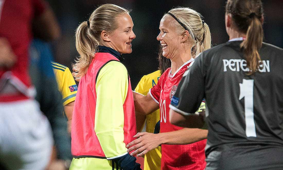 """De är ett par, men i VM-kvalet ställs den svenska försvararen Magdalena  Eriksson och Danmarks forwardsstjärna Pernille Harder mot varandra. """"Vi skiljer på det sportsliga och det personliga just nu"""", säger Eriksson."""