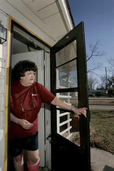 ÖPPNADE FÖR MÖRDAREN Virginia Jackson är en av Wichitaborna som levde med en mördare in på knuten. - Han var här när min hund försvann, säger hon.