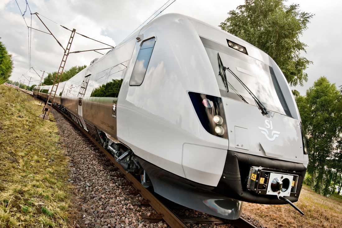 Två nya järnvägsbolag, bland annat ett av världens största, vill utmana SJ på dess paradlinje.
