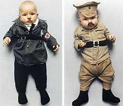 Faustina som bebis poserar bland annat som Adolf Hitler och Joseph Stalin.