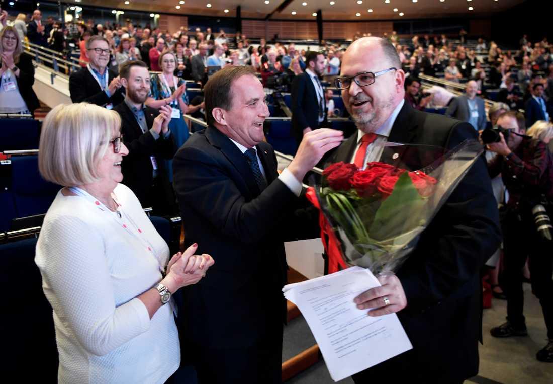 S-kongress i Göteborg.Votering om tiggeriet.  Stefan Löfven med fru Ulla och LO:s ordförande Karl Petter Thorvaldsson.