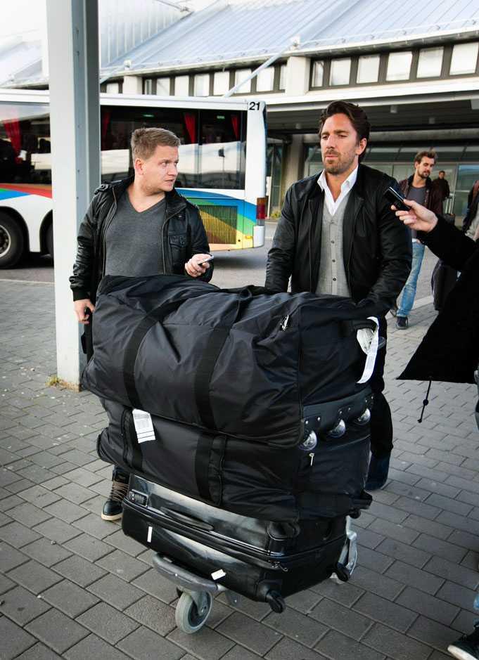 Sportbladets reporter Markus Wulcan är en av de som möter upp. Foto: Anders Deros