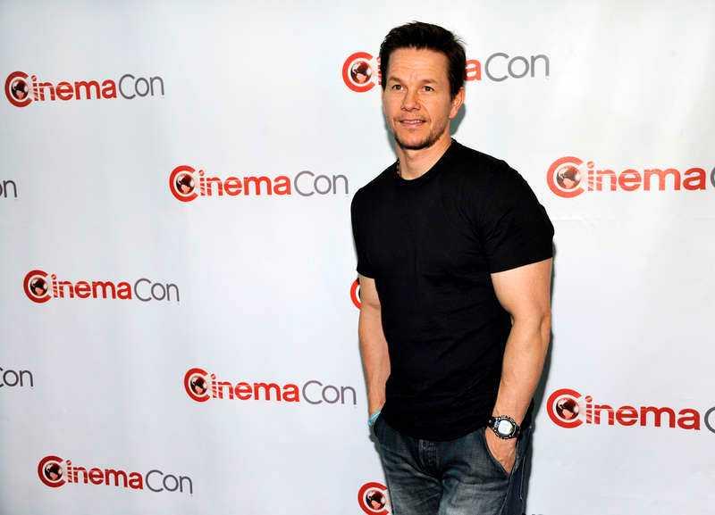 När Mark Wahlberg firade sin födelsedag på en exklusiv klubb var Sofia med.
