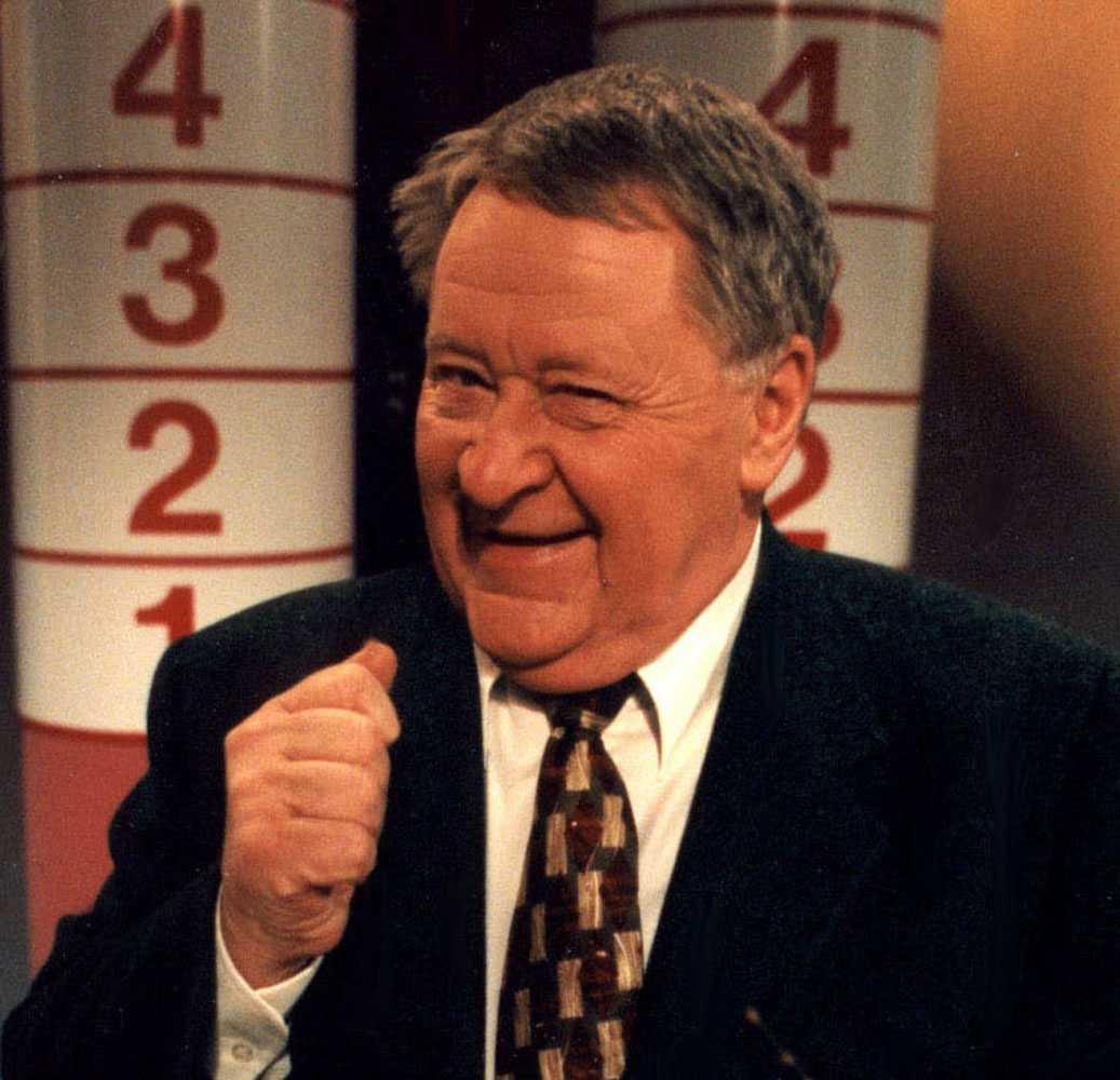 Som programledare för Supersvararna i SVT 1998.
